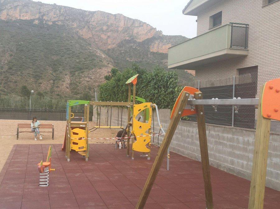 Parc infantil San Llorenç de Montgai